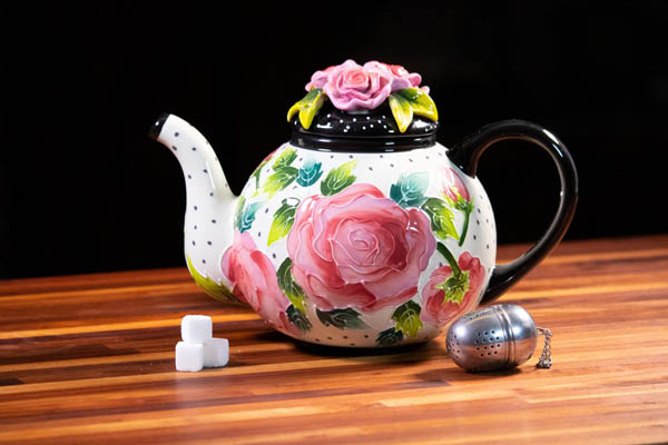 Icing on the cake rose teapot